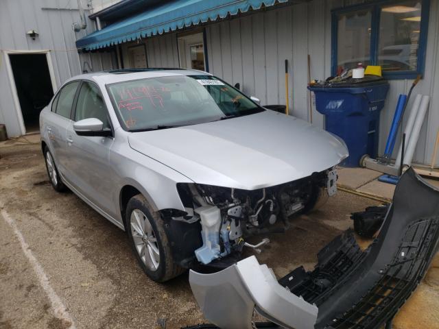 Salvage cars for sale from Copart Pekin, IL: 2016 Volkswagen Jetta SE
