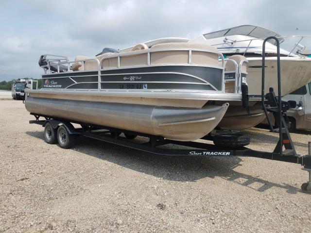 Suntracker salvage cars for sale: 2018 Suntracker Boat