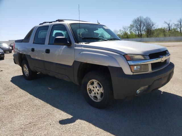 Salvage cars for sale from Copart Milwaukee, WI: 2005 Chevrolet Avalanche
