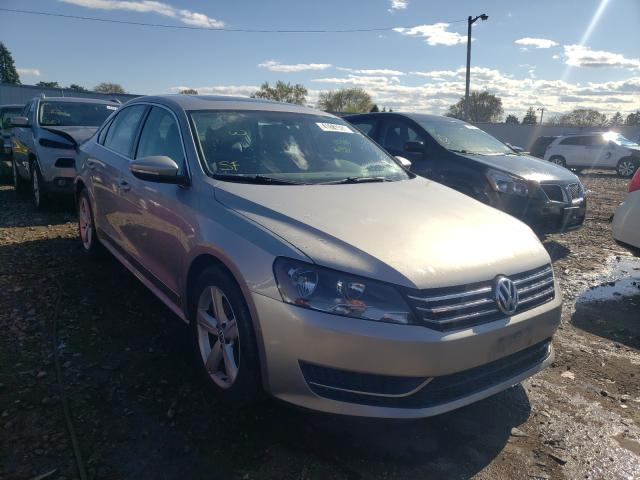 Salvage cars for sale from Copart Cudahy, WI: 2012 Volkswagen Passat SE