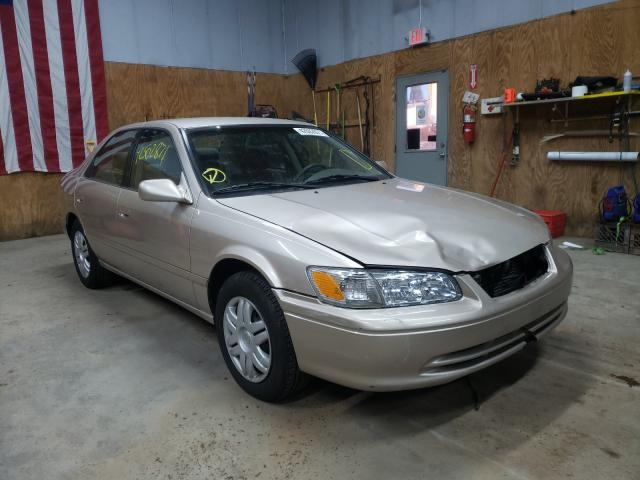 Salvage cars for sale from Copart Kincheloe, MI: 2000 Toyota Camry LE