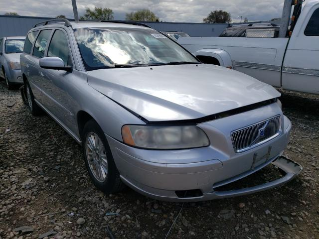Salvage cars for sale from Copart Cudahy, WI: 2005 Volvo V70