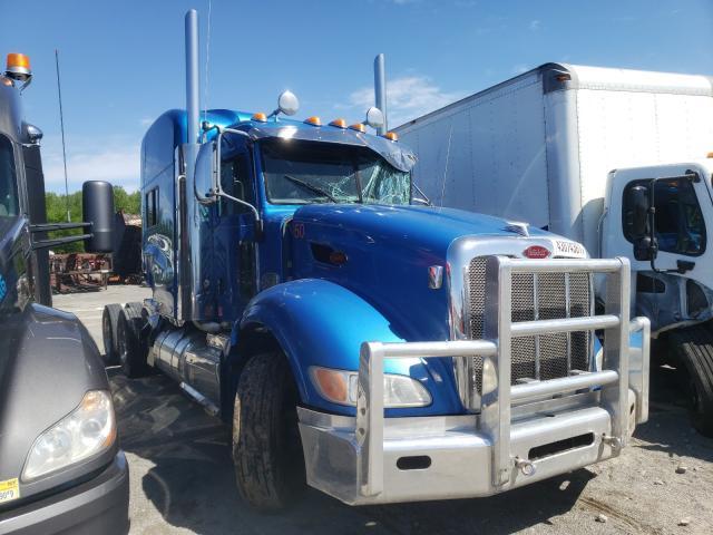 Salvage trucks for sale at Alorton, IL auction: 2011 Peterbilt 386