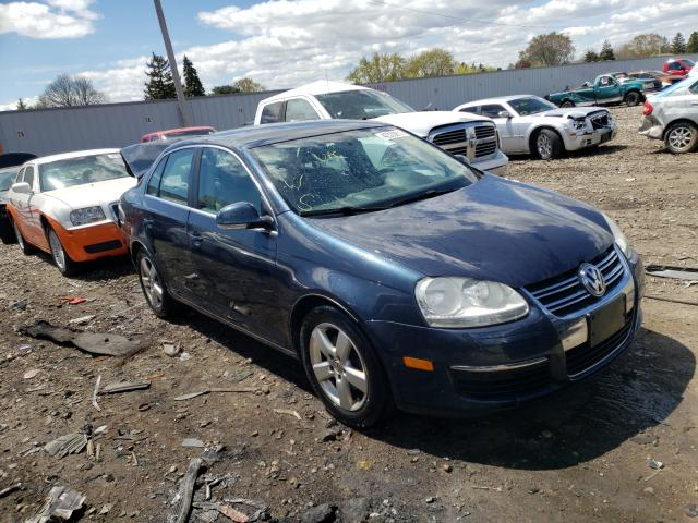 Salvage cars for sale from Copart Cudahy, WI: 2009 Volkswagen Jetta SE