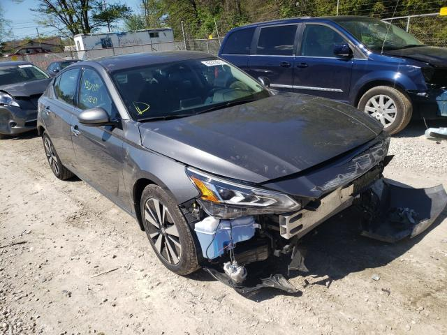 Salvage cars for sale at Northfield, OH auction: 2019 Nissan Altima SV