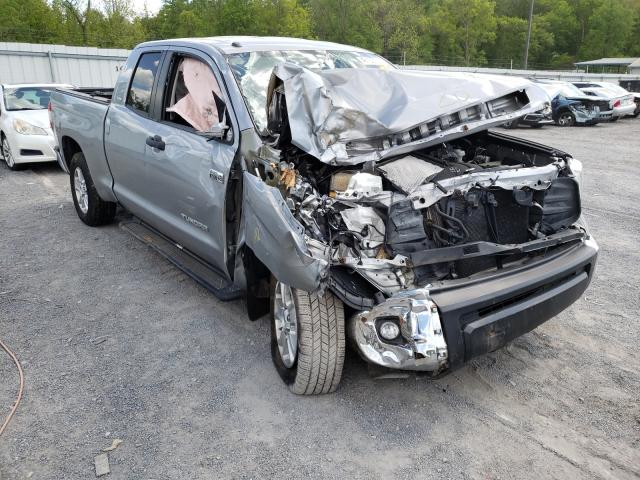 Salvage trucks for sale at York Haven, PA auction: 2016 Toyota Tundra DOU
