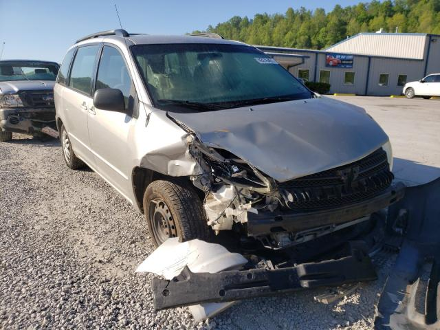 Salvage cars for sale from Copart Hurricane, WV: 2005 Toyota Sienna CE