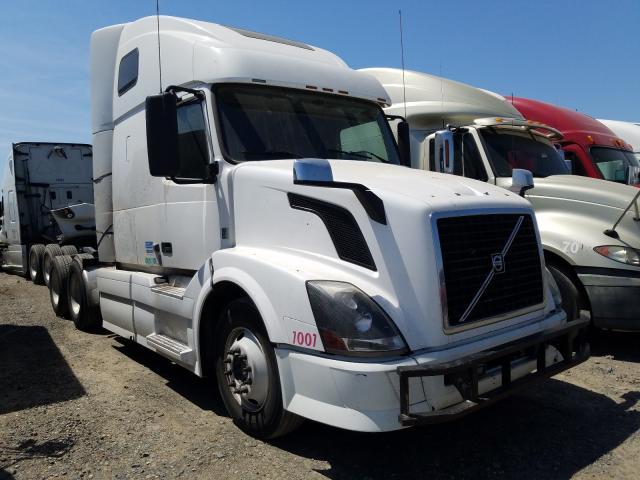 2011 Volvo VN VNL for sale in Sacramento, CA