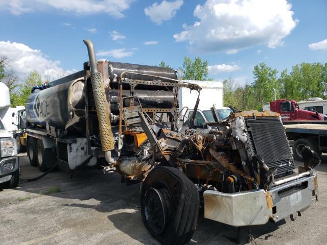 Salvage trucks for sale at Marlboro, NY auction: 2016 Kenworth Construction