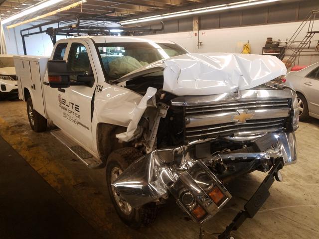 Salvage trucks for sale at Wheeling, IL auction: 2015 Chevrolet Silverado