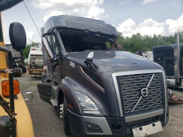 Salvage trucks for sale at Alorton, IL auction: 2019 Volvo VN VNL