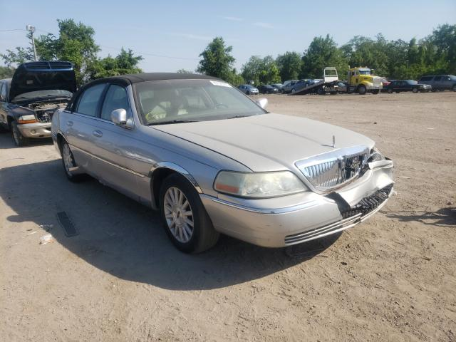 Salvage cars for sale from Copart Baltimore, MD: 2004 Lincoln Town Car