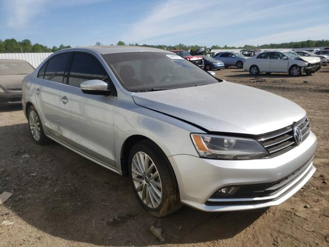 Salvage cars for sale from Copart Louisville, KY: 2015 Volkswagen Jetta SE