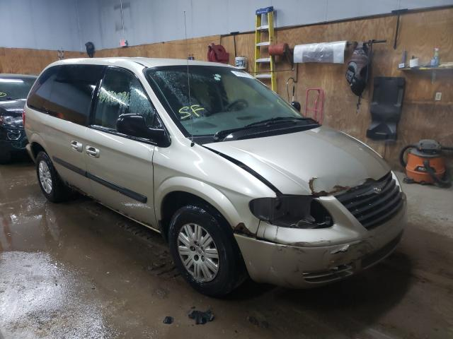 Salvage cars for sale from Copart Kincheloe, MI: 2005 Chrysler Town & Country