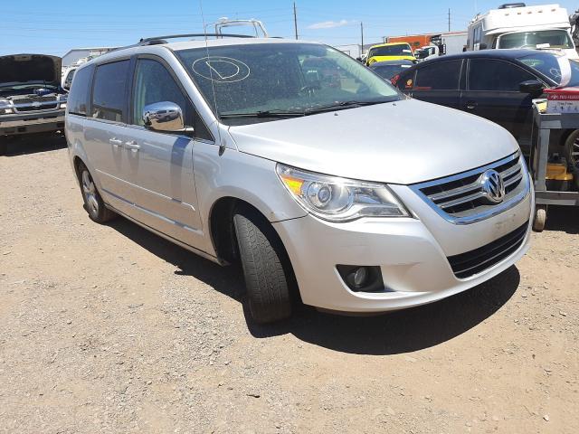 Salvage cars for sale from Copart Phoenix, AZ: 2009 Volkswagen Routan SEL