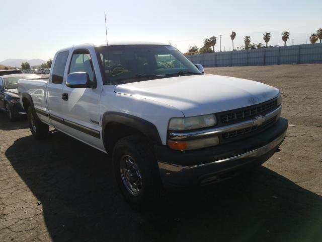 Salvage cars for sale from Copart Colton, CA: 2000 Chevrolet Silverado