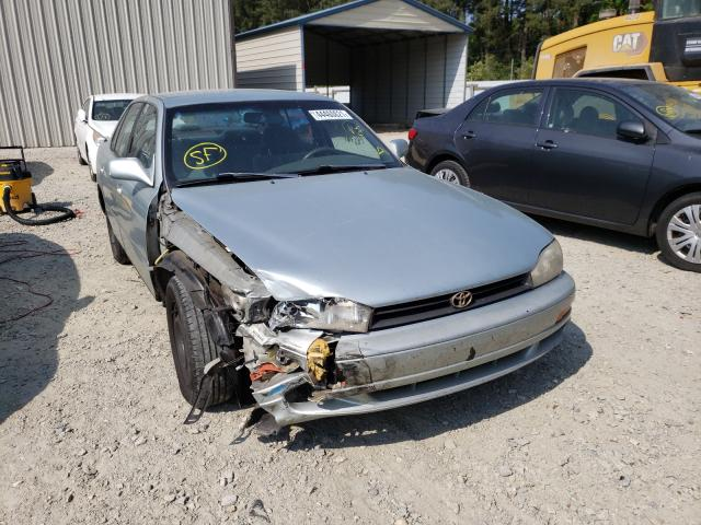 Salvage cars for sale from Copart Seaford, DE: 1994 Toyota Camry LE