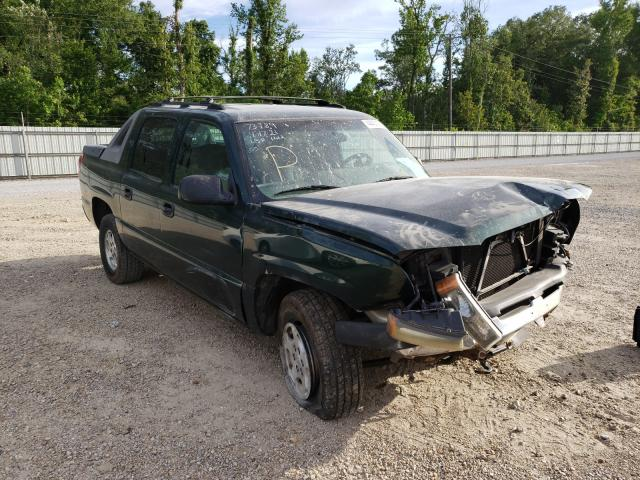 Salvage trucks for sale at Greenwell Springs, LA auction: 2004 Chevrolet Avalanche