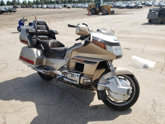 Salvage cars for sale from Copart Elgin, IL: 1988 Honda Goldwing
