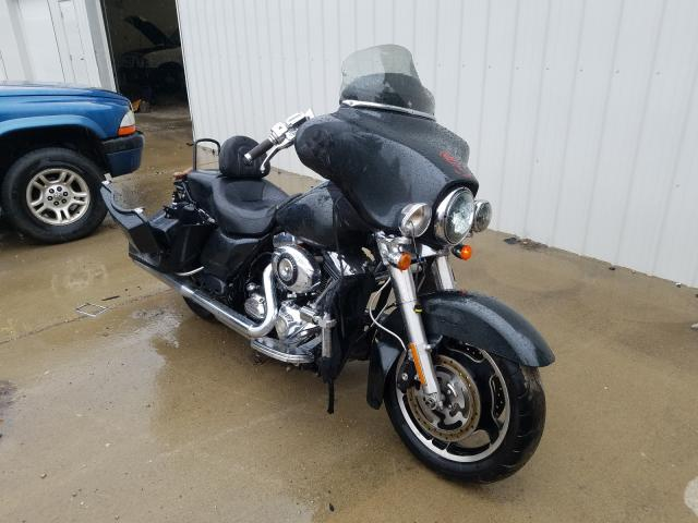 Salvage cars for sale from Copart Cicero, IN: 2009 Harley-Davidson Flhx