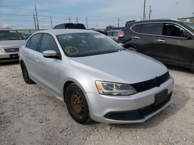 Salvage cars for sale from Copart Haslet, TX: 2011 Volkswagen Jetta SE