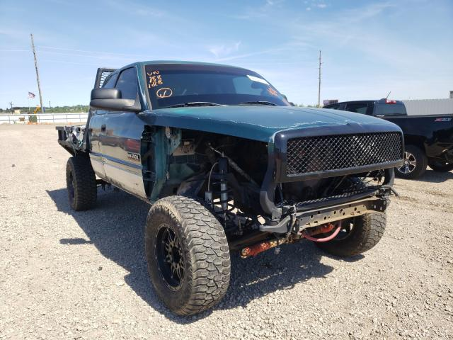 Salvage cars for sale from Copart Bismarck, ND: 1999 Dodge RAM 2500