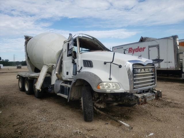 Salvage trucks for sale at Greenwell Springs, LA auction: 2016 Mack 800 GU800