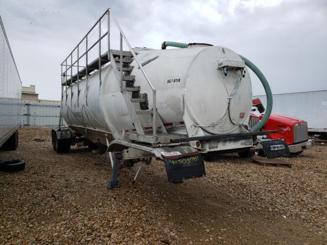Salvage trucks for sale at Grand Prairie, TX auction: 1969 Fruehauf Tanker