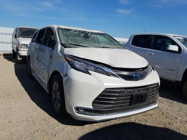 Salvage cars for sale from Copart Anderson, CA: 2021 Toyota Sienna XLE