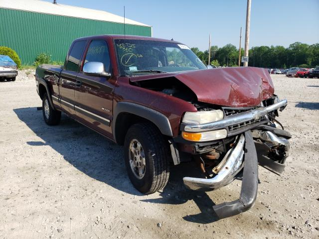 Salvage trucks for sale at Candia, NH auction: 2001 Chevrolet Silverado