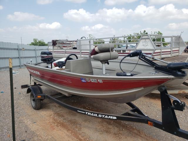 Salvage boats for sale at Oklahoma City, OK auction: 2002 Basstracker Tracker