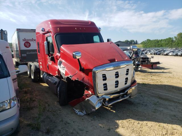 Salvage cars for sale from Copart Madison, WI: 2018 Freightliner Cascadia 1