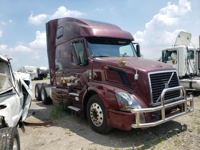 Salvage cars for sale from Copart Elgin, IL: 2011 Volvo VN VNL