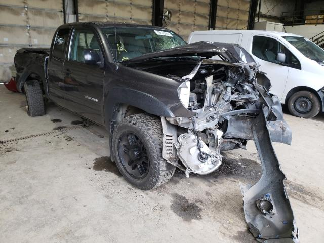 Salvage cars for sale from Copart Graham, WA: 2014 Toyota Tacoma ACC