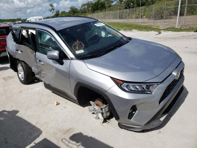 Salvage cars for sale from Copart Fort Pierce, FL: 2020 Toyota Rav4 XLE