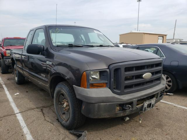 Salvage cars for sale from Copart Moraine, OH: 2005 Ford F250 Super
