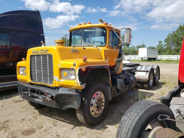 1983 MACK  600 R600