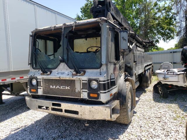 2004 MACK  600 MR600
