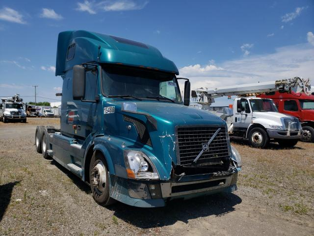 Salvage cars for sale from Copart Dyer, IN: 2006 Volvo VN VNL