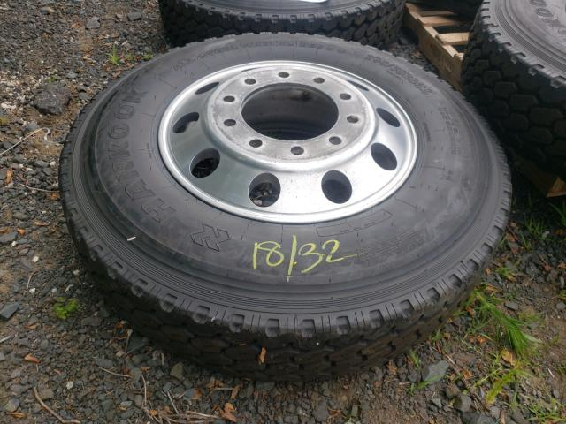 Salvage cars for sale from Copart East Granby, CT: 2000 Trck Wheels