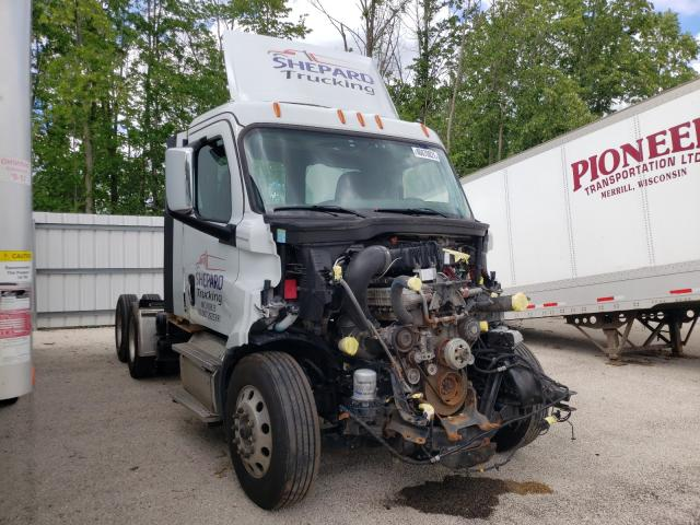 Salvage cars for sale from Copart Milwaukee, WI: 2019 Freightliner Cascadia 1