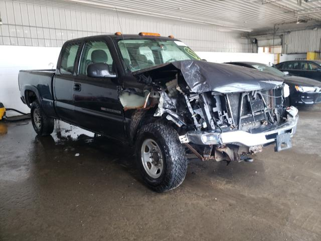 Salvage cars for sale from Copart Candia, NH: 2005 GMC Sierra K25