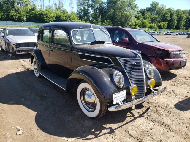 Carros salvage clásicos a la venta en subasta: 1937 Ford Deluxe
