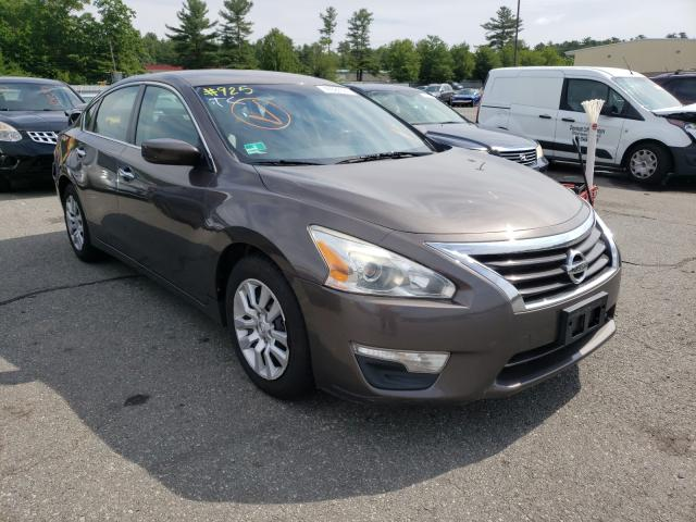 Salvage cars for sale from Copart Exeter, RI: 2014 Nissan Altima 2.5