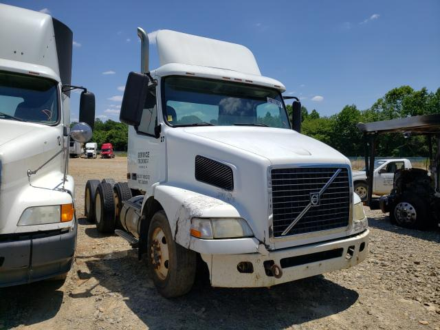 Salvage cars for sale from Copart Chatham, VA: 2007 Volvo VN VNM