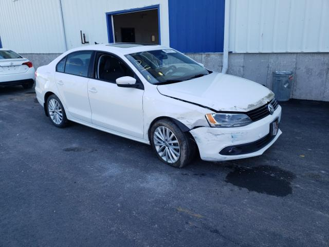 Salvage cars for sale from Copart Moncton, NB: 2011 Volkswagen Jetta SE