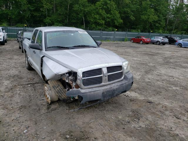 Salvage cars for sale from Copart Candia, NH: 2005 Dodge Dakota Quattro