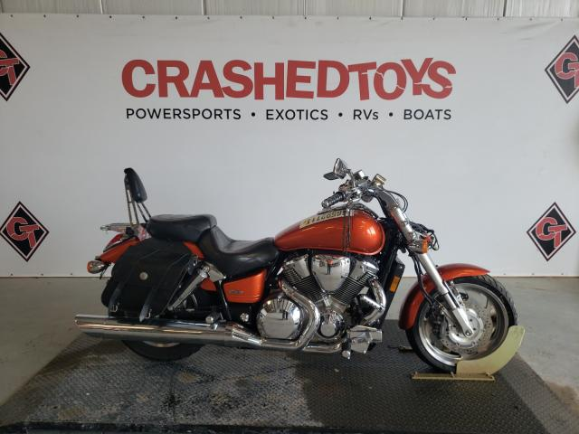 Salvage cars for sale from Copart Sikeston, MO: 2003 Honda VTX1800 C