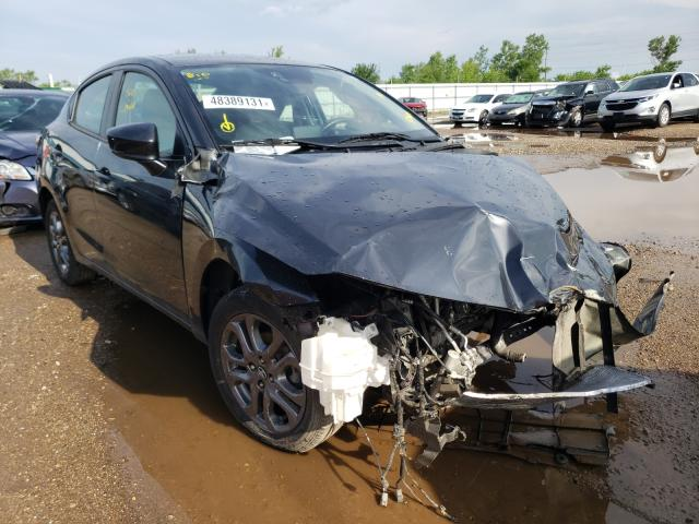 Salvage cars for sale from Copart Pekin, IL: 2019 Toyota Yaris L