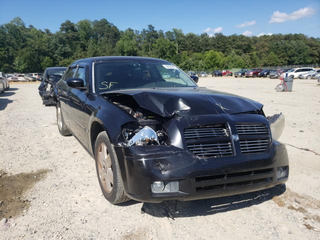 Salvage cars for sale from Copart Seaford, DE: 2007 Dodge Magnum R/T